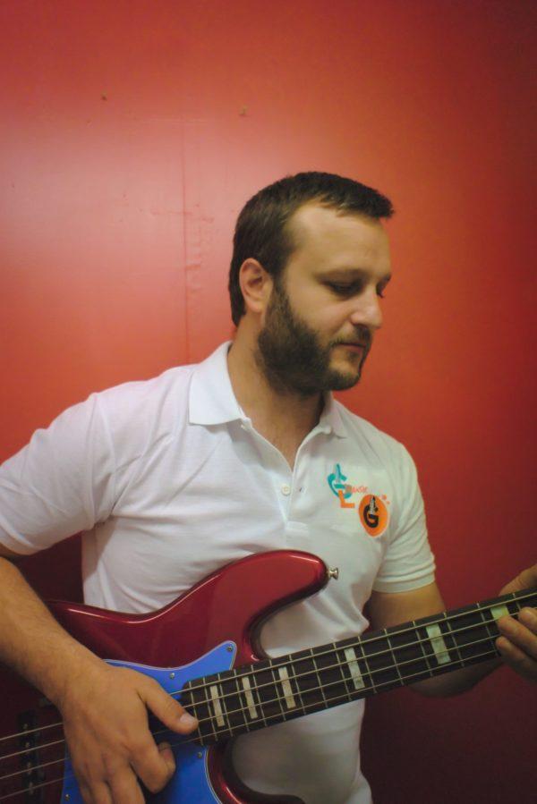 Benjamin - Professeur de Guitare Basse Batterie Piano Chant Ukulele à Compiègne - Groove Lab Compiègne